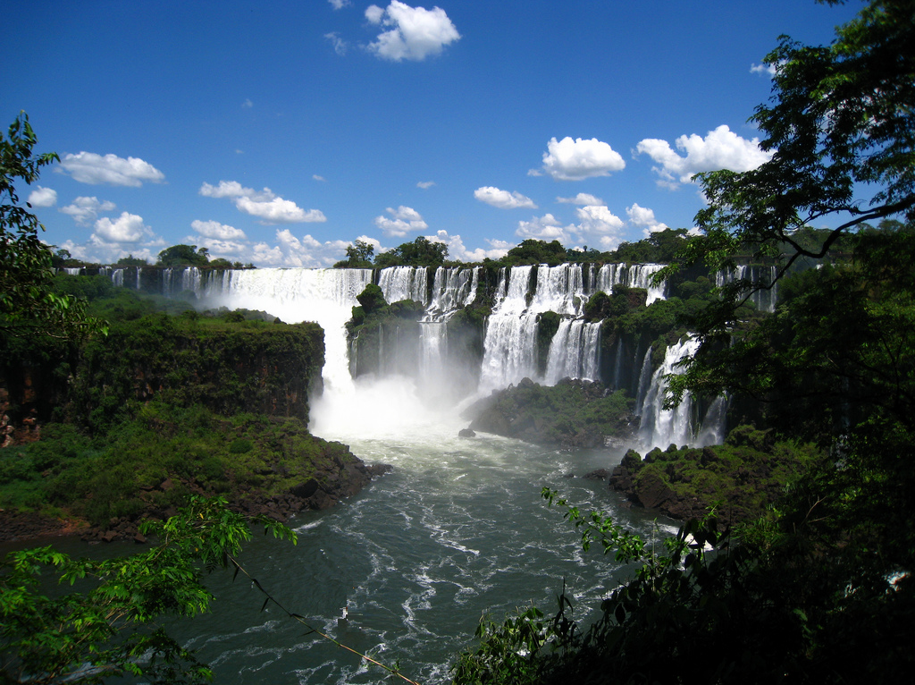 pictures of the Iguazu Falls, Iguazu Falls pictures, Iguazu Falls photos, Iguazu Falls panoramic view, Iguazu Falls argentina, argentina side of iguazu falls