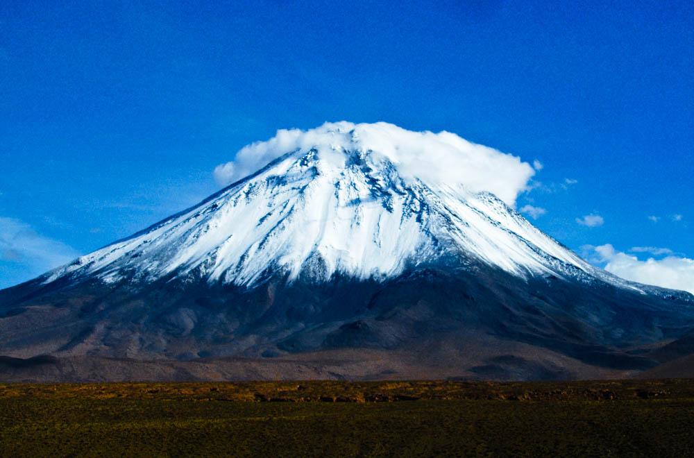 Lincancabur Volcano Bolivia, volcano bolivia, bolivia volcano