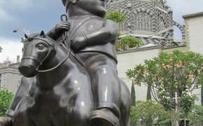 pictures of medellin, plaza botero medellin, plaza botero, botero plaza, fat people sculptures colombia, colombia botero sculptures