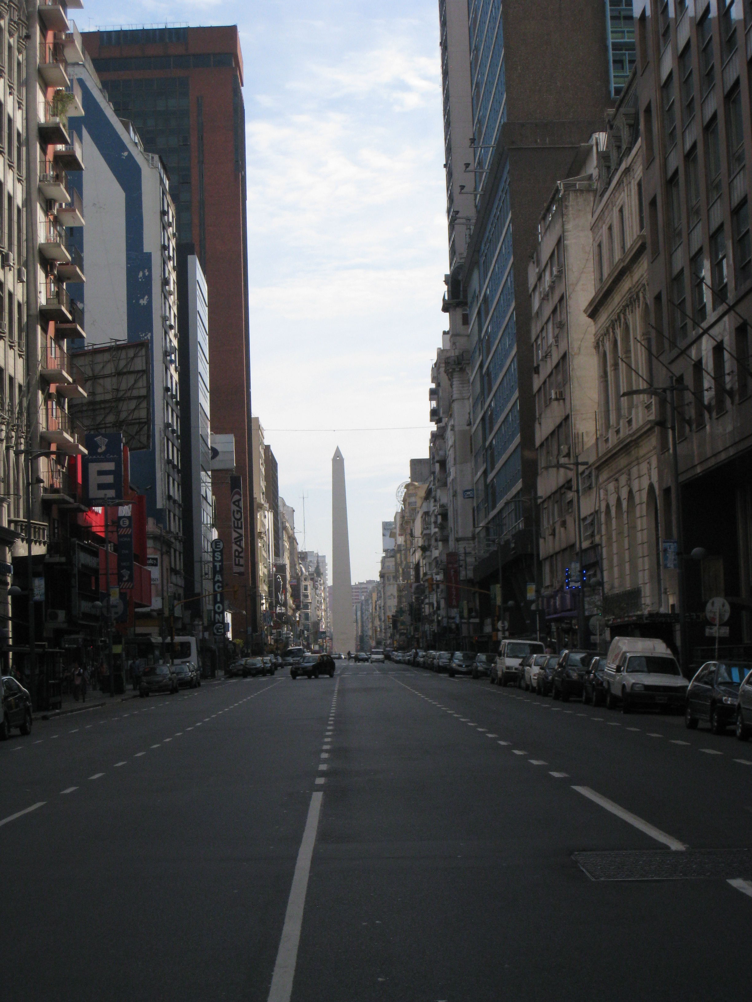 Buenos Aires, pictures of Buenos Aires, photos of Buenos Aires, Buenos Aires pics, the obelisk Buenos Aires