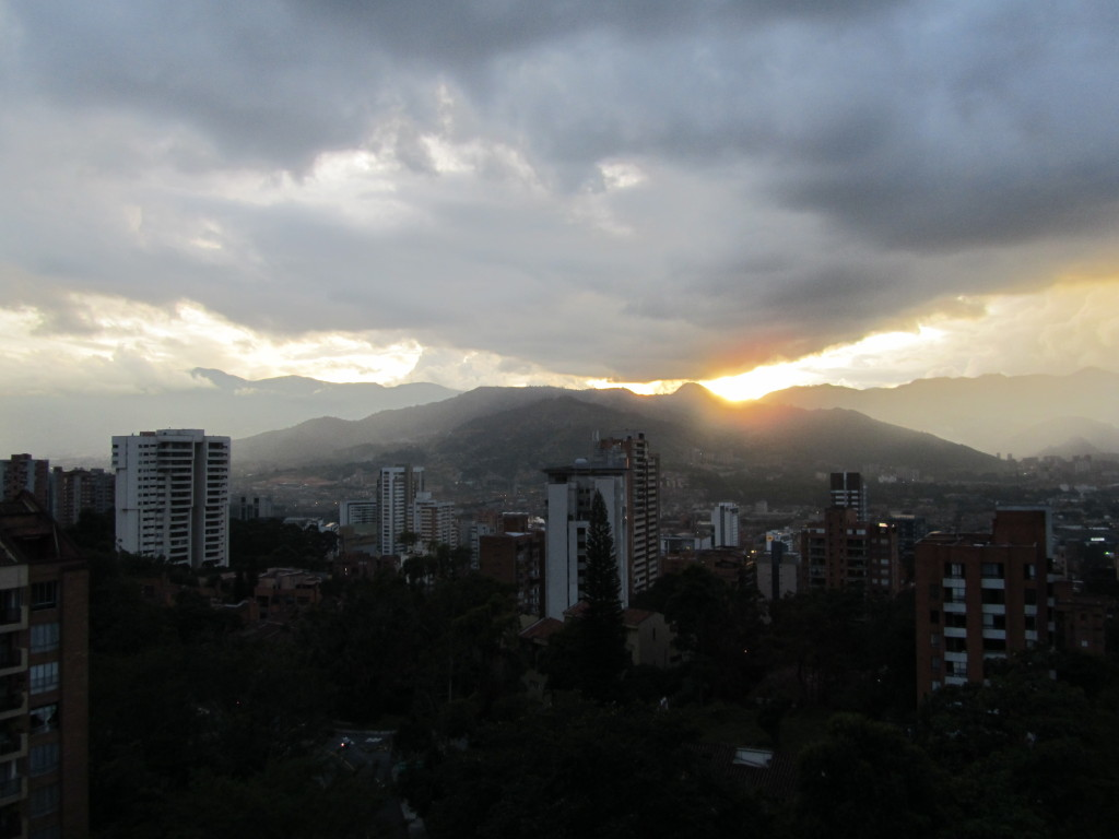 things to do in medellin, pictures of medellin, pictures of colombia, medellin sunset, andes mountains