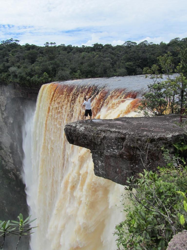 kaiter falls guyana, kaieteur falls, kaieteur falls guyana, pictures of guyana, pictures of kaieteur falls, photos of kaieteur falls, waterfalls in guyana