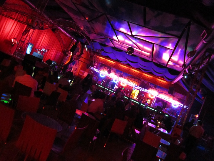 medellin nightlife, local club in medellin, medellin club pictures,