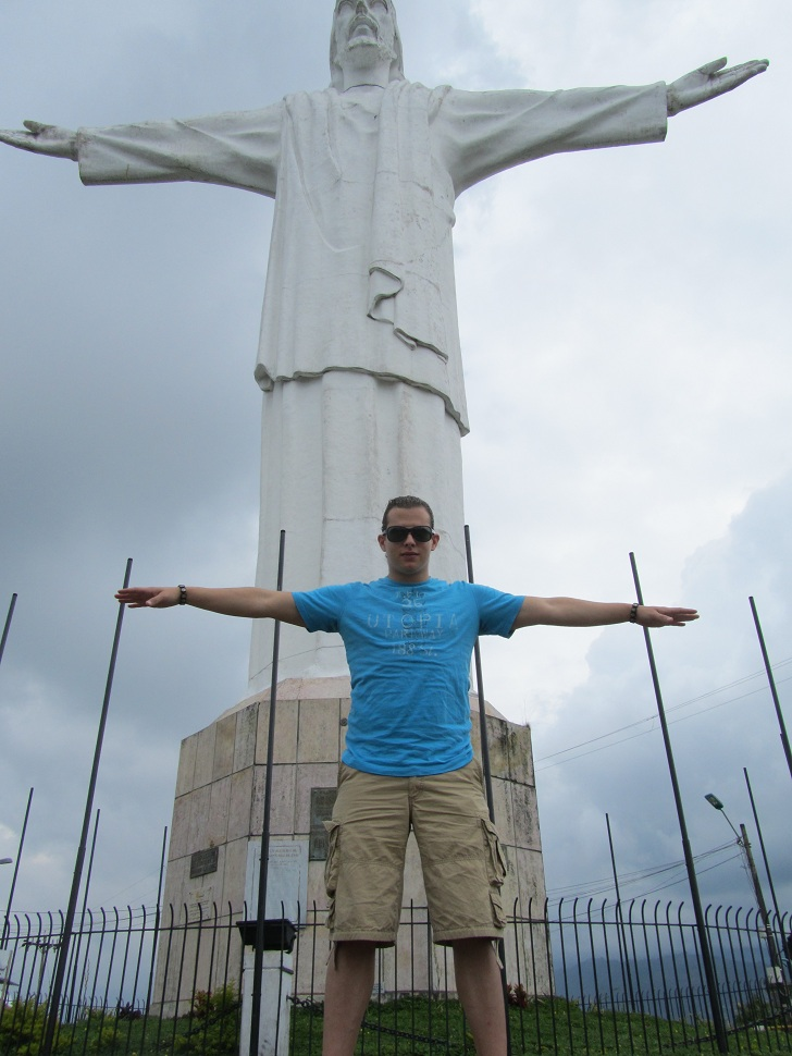 cristo rey, cristo rey cali, things to do in cali, cali tourist attractions, things to see in cali, jesus statue in cali colombi