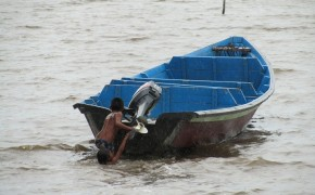Boat in the amazon, Galibi nature reserve, Suriname pictures, traveling by boat in the guyanas,