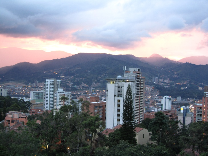 apartment in medellin, apartment in colombia, sunset, pictures of sunset, medellin pictures, andes mountains