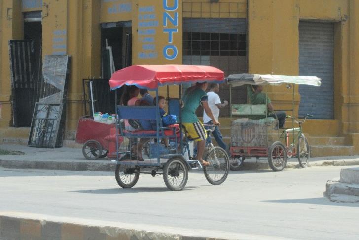 Rickshaw in Colombia, transportation in colombia, colombia transportation