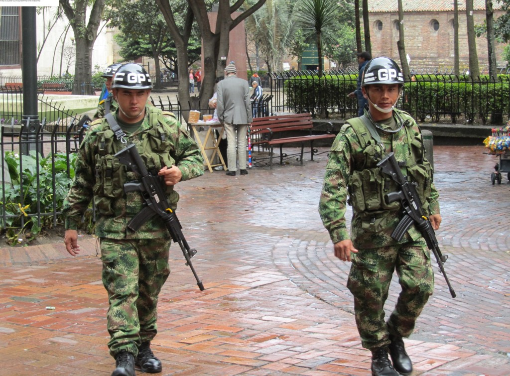 colombia security, security guards in colombia, colombia guns, security guards in Colombia