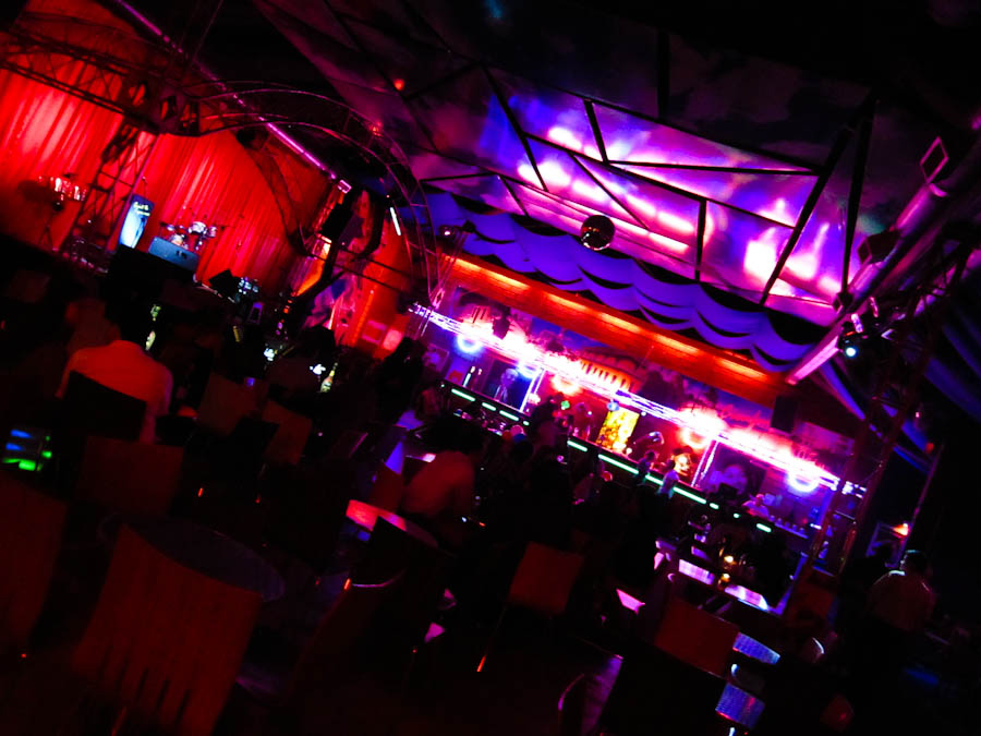 Medellin Nightlife - Parque Lleras, Discotecas, Bars, Clubs