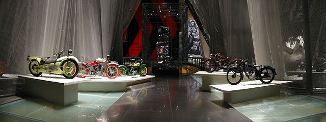 640px-Guggenheim_Las_Vegas_-Art_of_the_Motorcycle-_Panorama_2