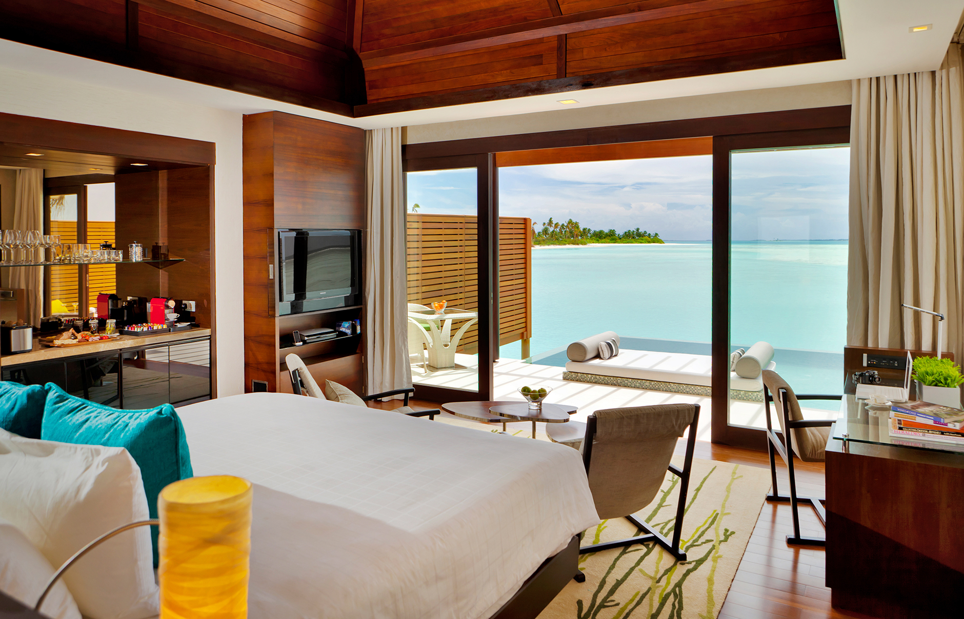 maldives-nimaya-resort-room