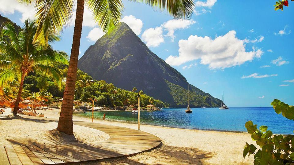 Tempat wisata romantis: Saint Lucia, Karibia.